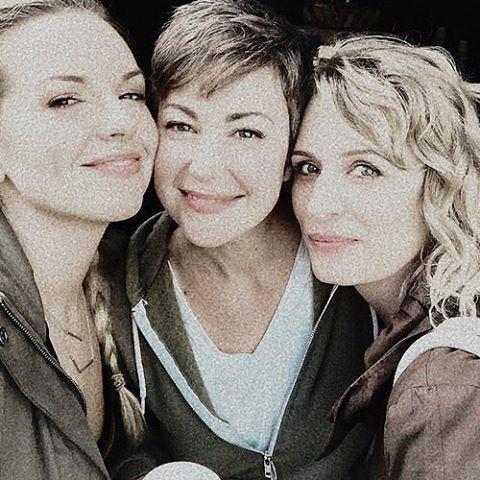 Briana, Kim and Samantha BTS 12x06