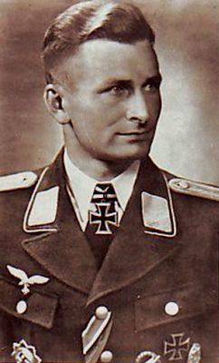 Oberleutnant (Wermacht) Oberstleutnant (Bundeswehr) Erich Lepkowski (17 September 1919 - 31 May 1975) Knights Cross on 08 August 1944 as Leutnant Führer 5./FschJägRgt 2