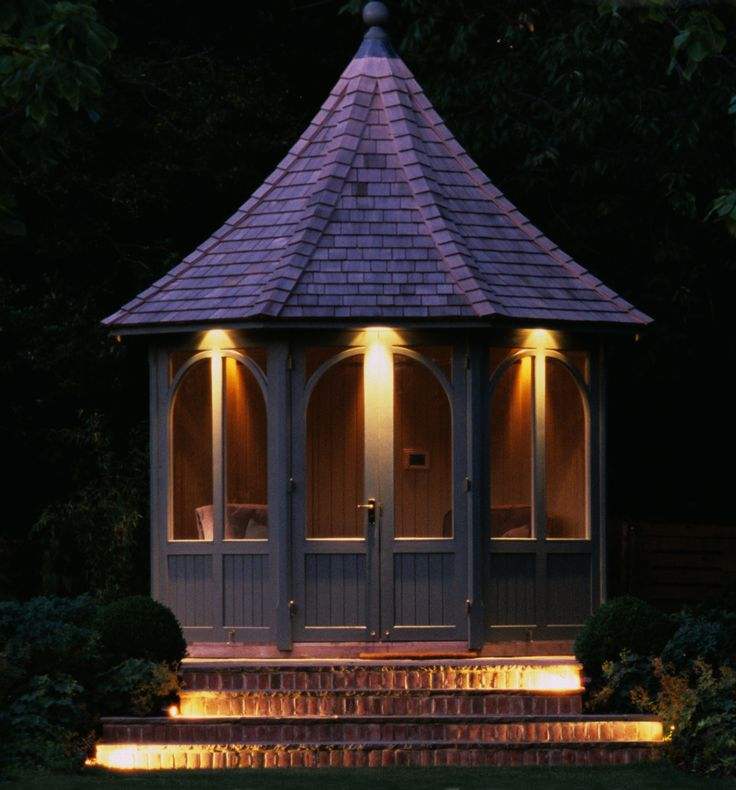 Moonlight design supplied and installed hunza solid eyelid step lights in copper for this garden in