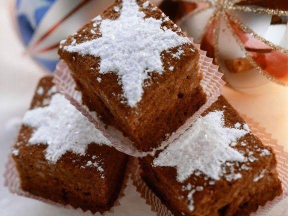 Коврижка. Новогодние рецепты. Шоколадные коврижки, украшенные звездами из  сахарной пудры - большое наслаждение маленьким лакомством. http://marycharybest.blogspot.de/2014/11/kovrizka.html