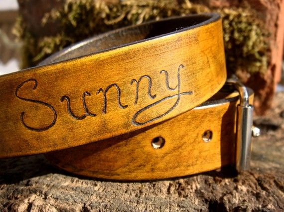 Leather custom dog collar. Pretty!