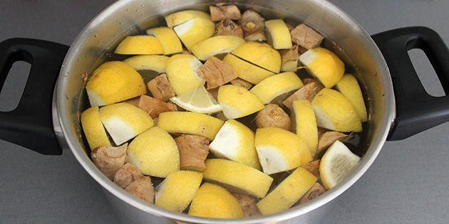 Lækre ingefærshots med citron og honning er simple at lave og så smager de knaldgodt. Opbevar den sunde drik på køl, og start f.eks. hver dag med et shot.