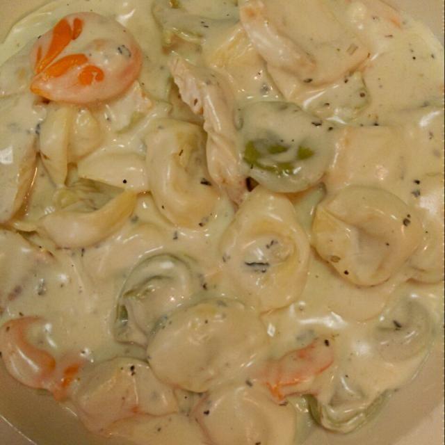 レシピとお料理がひらめくSnapDish - 18件のもぐもぐ - chicken tortellini pasta with gorgonzola cheese by vee del Rosario