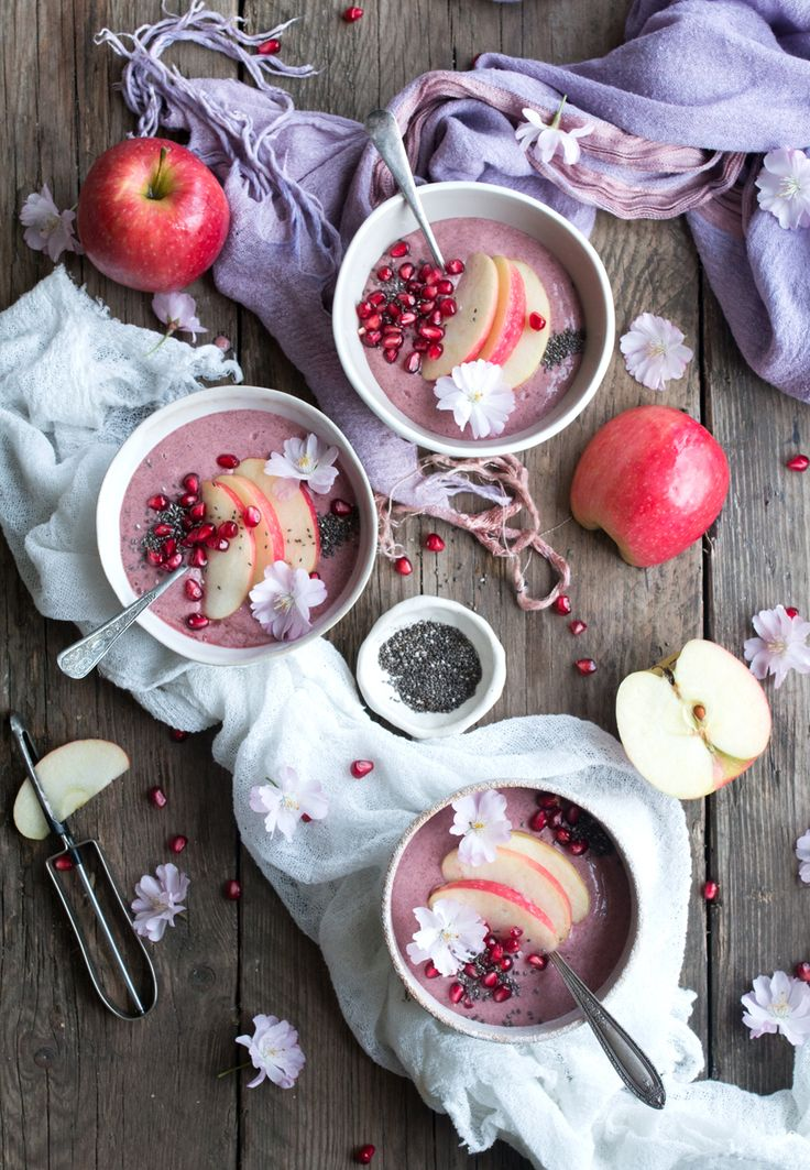 Vegan pink apple pie smoothie - The Little Plantation for Pink Lady apples