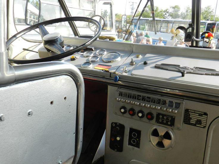 """A klasszikus kialakítású """"cockpit""""... :-D"""