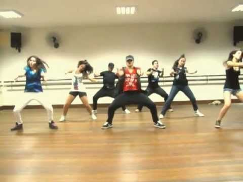 Jennifer Lopez - Dance Again Choreography - Eduardo Amorim - Pinner says: This combo is sick. Although I couldn't help but giggle at his student dancers...you can tell they're Cheerleaders..