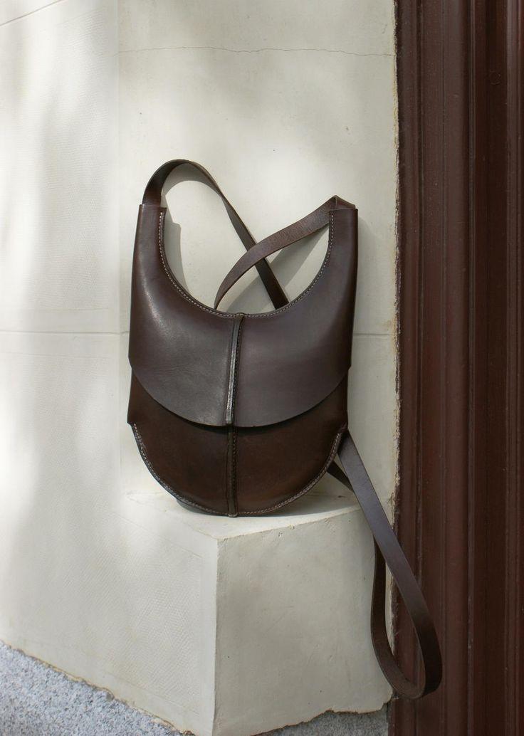 Bolsa Peregrina www.puntera.com/ madrid  / handmade leather