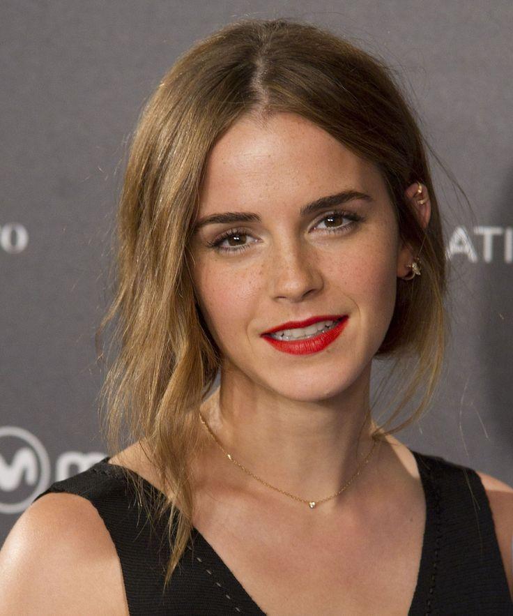 Emma Watson Tweets Black Hermione Noma Dumezweni | Emma Watson and Noma Dumezweni had a little Hermione bonding on Twitter. #refinery29 http://www.refinery29.com/2016/01/100429/emma-watson-hermione-noma-dumezweni