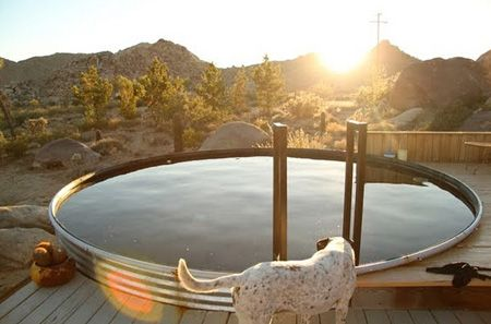 love this simple, minimal, farmhouse style pool
