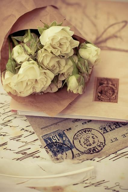 Ana Rosa!  Nothing takes the place of a hand written romantic letter! Aline from simplyaline.com ❤️