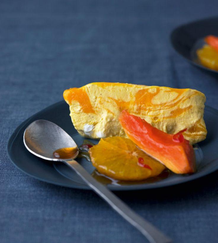 Rezept für Mango-Curry-Parfait bei Essen und Trinken. Ein Rezept für 8 Personen. Und weitere Rezepte in den Kategorien Eier, Gewürze, Milch + Milchprodukte, Obst, Alkohol, Nachtisch / Dessert, Eisspeise / Halbgefrorenes, Einfrieren, Französisch, Gut vorzubereiten, Raffiniert.