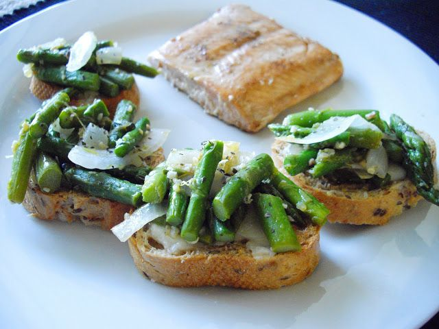 Asparagus Bruschetta.  I love asparagus!  Definitely want to try making this...
