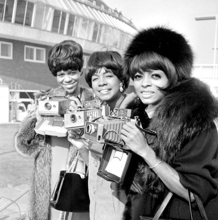 nickdrake:  The Supremes Florence Ballard, Mary Wilson and Diana Ross.