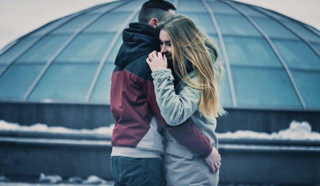 Aumenta el placer con tu pareja  La convivencia es una decisión muy importante para una pareja además marca un crecimiento como persona y cuando creemos que hemos encontrado a la persona ideal con la que deseamos pasar el resto de nuestra vida nos sentimos plenos.  Sin embargo las parejas que conviven con el tiempo corren el riesgo de recaer en la rutina perdiendo la emoción y afectando negativamente a la hora de tener relaciones sexuales.  Por esta razón si deseas tener éxito en la…