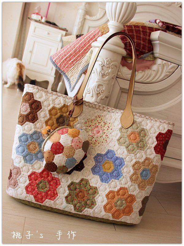 die besten 17 bilder zu patchworktaschen auf pinterest schnittmuster patchwork taschen und. Black Bedroom Furniture Sets. Home Design Ideas