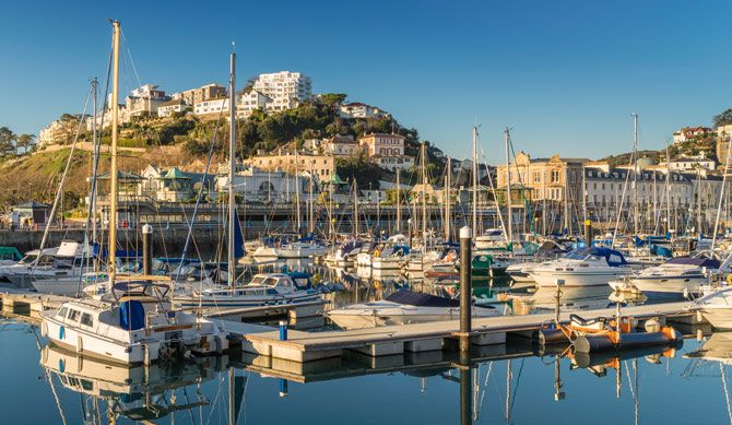 Discount UK Holidays 2nt Devon Break for 2 Discounted by 42% Take the chance to get a way for a good old English seaside break with this Torquay break, with prices starting from just £99.00.   Enjoy a two-night break at Yardley Manor for £99.00, or a three-night break for £139.00].   Features:  £15 voucher to spend on food, snacks or drinks at the bar Full English breakfast provided each...