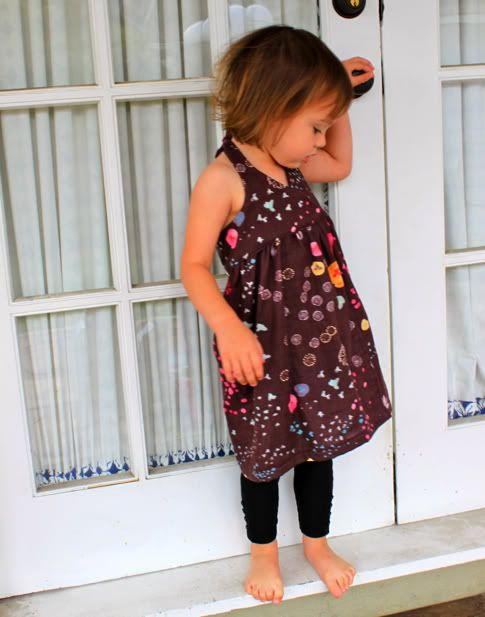 tuto robe wrap dos nuWrap Dresses, Little Dresses, Girls Wraps Dresses Pattern, Summer Dresses, Dresses Tutorials, Snap Wraps, Summer Wraps, Baby Dresses Sewing Pattern, Little Girls Dresses