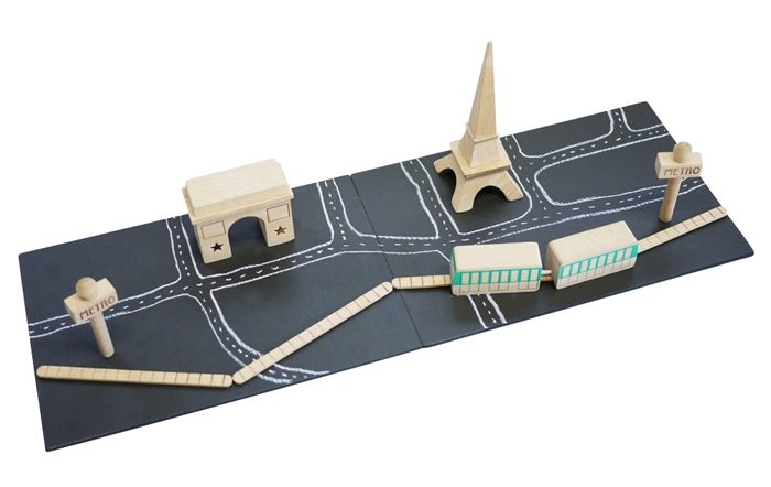 Awesome: Wooden Paris toy with a chalkboard base and magnetic beechwood play pieces.: Ville Aimanté, Wood Toys, Kids Stuff, Toys Cars, Machi Paris, Wooden Toys, Plays Sets, Products, Kids Toys