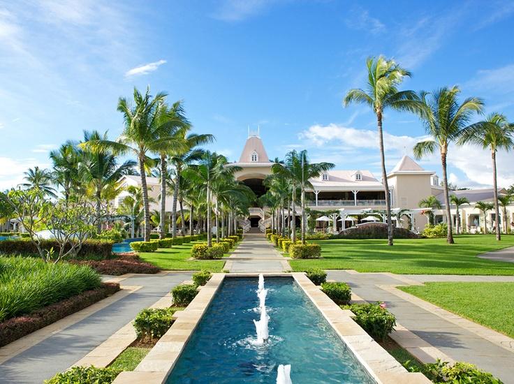 Sugar beach Luxury hotel  Mauritius. Holiday Cafe holidaycafe@travelbyarrangement.com www.holidaycafe.co.za 011 794 4900