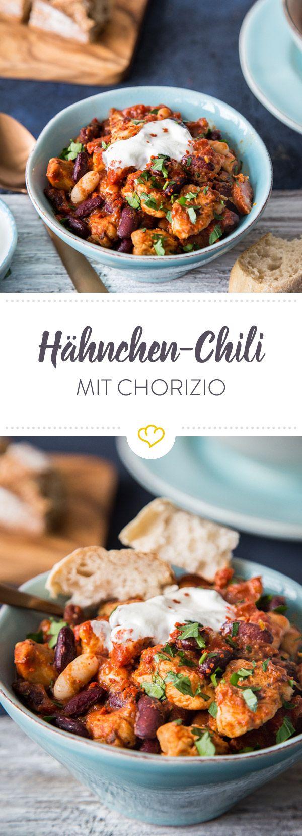 Für das Hähnchen-Chorizo-Chili stehst du keine 30 Minuten in der Küche und kannst in Windeseile deinen Feierabend in der Abendsonne genießen.