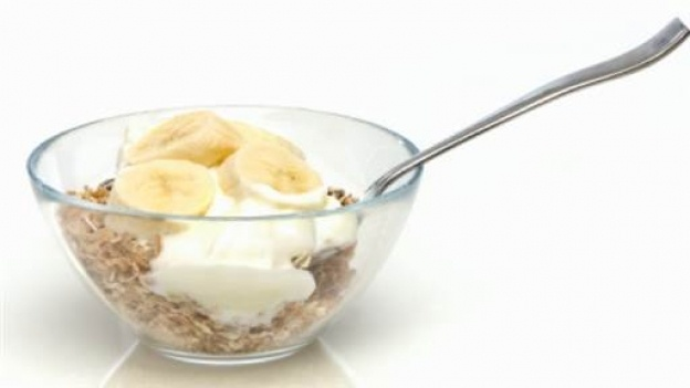 A simple and tasty breakfast treat with Greek yoghurt, nuts, banana and mango - from Lorraine's Bikini and Beauty Diet .