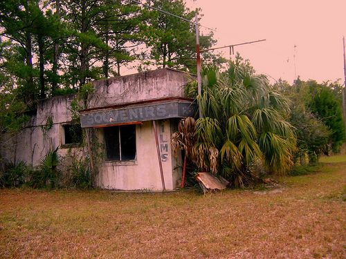 abandoned Florida welcome center on us highway 301 ...