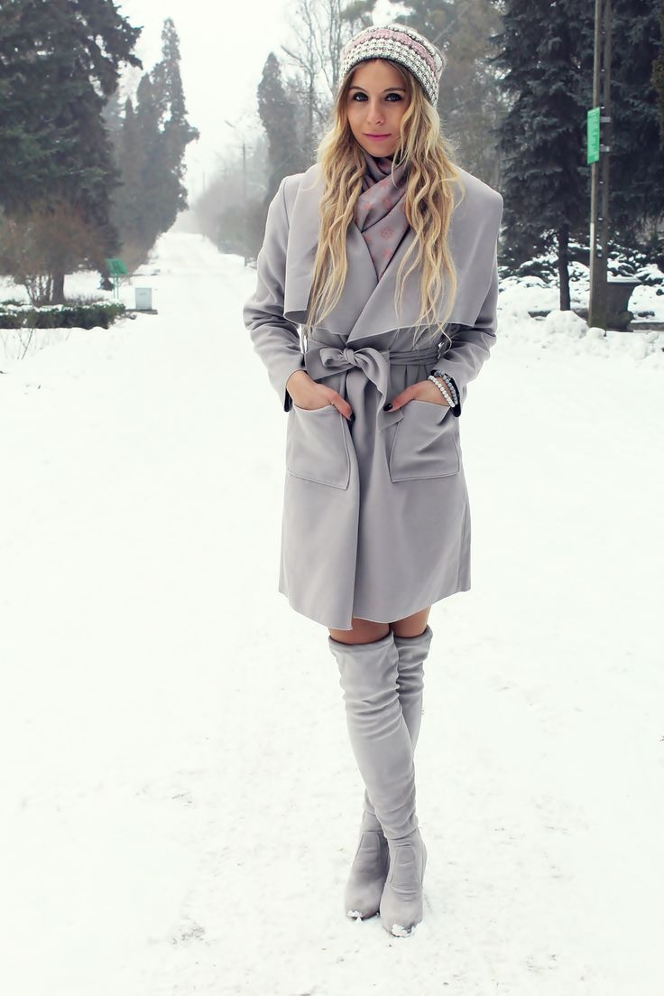 #grey #greylook #szarosci #sandicious #stylizacja #look #kneeboots #muszkieterki #fashion #fashionblogger #blogerkamodowa #coat #greycoat
