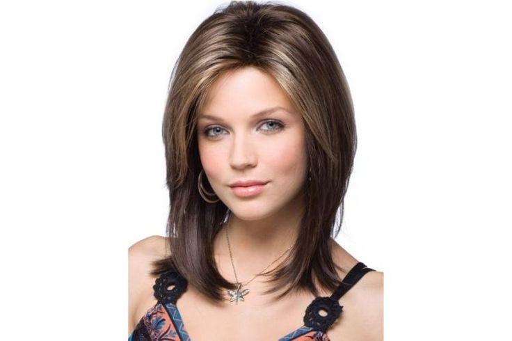 Stylové+účesy+pro+středně+dlouhé+vlasy