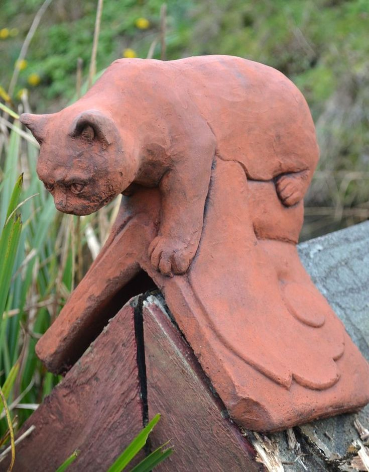 CAT ROOF FINIAL ANGLED RIDGE TILE 90 degrees FROSTPROOF STONE GARDEN ORNAMENT in Garden & Patio, Garden Ornaments, Other Garden Ornaments | eBay