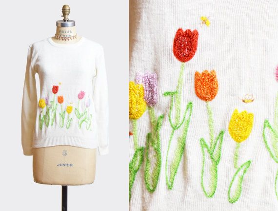 Vintage 60s Sweater Tulip Floral Novelty Embroidered / 1960s White V Neck Sweater Boho Kitsch