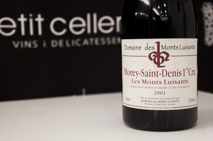 """LES MONTS LUISANTS MOREY-SAINT-DENIS 1er CRU 2001. AOC La Côte de Beaune. """"Brillante y vivo""""  https://petitceller.com/es/botiga/v/les-monts-luisants-morey-saint-denis-1er-cru-2001/6046/"""