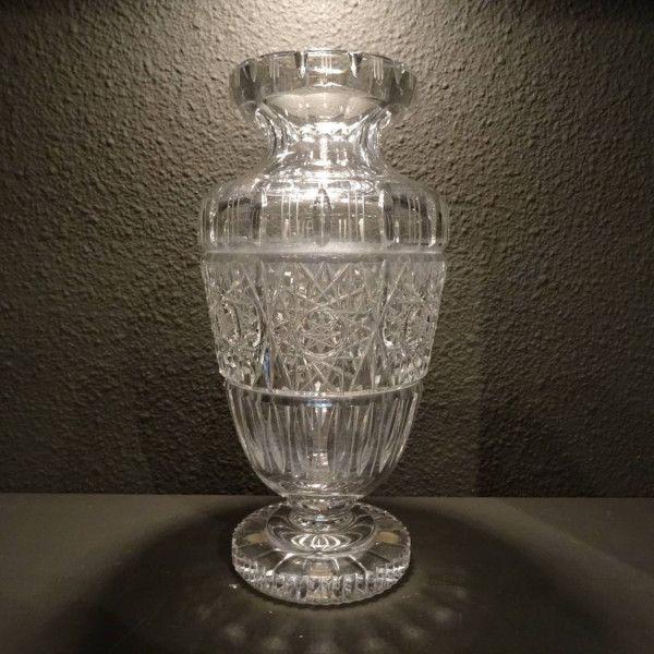 Geslepen lood kristallen vaas op voet