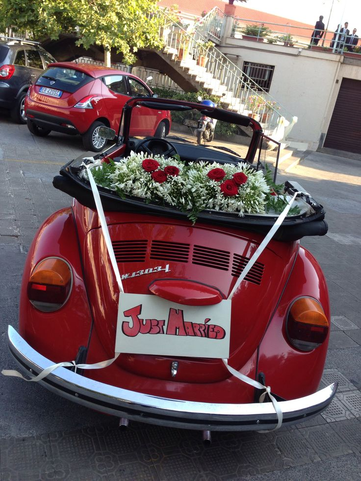 """A beatiful """"Just Married"""" wedding car: an italian red maggiolone! By VIP WEDDING ARCHITECTS info@weddingarchitects.it #wedding #vipweddingarchitects #vip #justmarried #weddingplanner #matrimonio #sposa #sposi #maggiolone"""