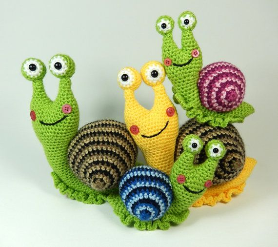 Shelley the Snail and Family, Amigurumi Crochet Pattern.