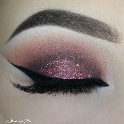 Envie de changement niveau makeup ? Voici 11 nouvelles idées makeup tendance et simples à faire. Vous avez déjà vu ces makeup les filles ? (Dites-le nous dans les commentaire...