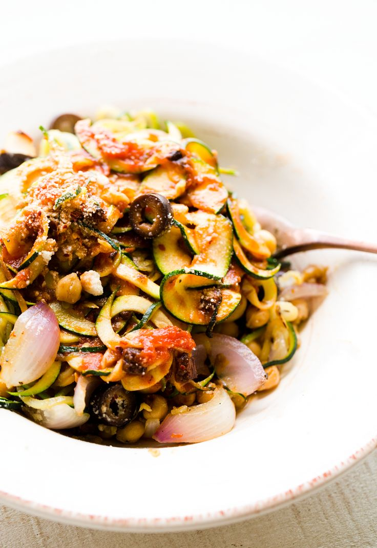 Garlicky Zoodles with Chickpeas and Onions, aka Zoodles a la Kathy with the BELLA Automatic Electric Spiralizer machine. Vegan recipe and product review.