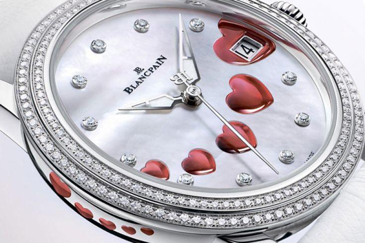 Szent Valentin-napját a Blancpain idén is egy különleges női luxusórával ünnepli. Viselve az időmérőt a tekintetet az apró, kerámia szívecskéken és a gyémántragyogáson túl leginkább a finom JB (Jehan-Jacques Blancpain) logós másodpercmutató, valamint a hófehér struccbőr szíj ragadja meg. A teljes cikk még több cool fotóval >>> www.woohooo.hu/stilus/ora/blancpain-saint-valentin-2013