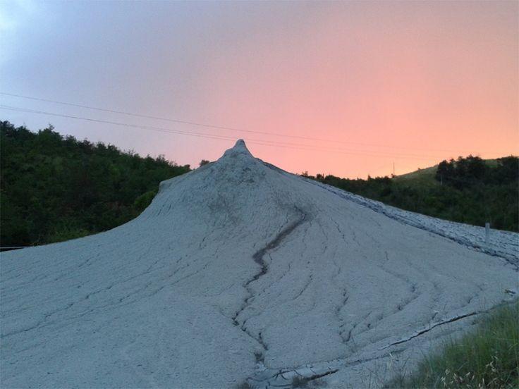 Piccoli vulcani emiliani: le Salse di Nirano - http://www.girosognando.it/2017/02/15/visitare-salse-nirano-fiorano/