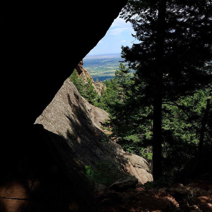 A window and some shadows coming down Fern Canyon.  #bearpeak #bearpeakhike #bearpeaktrail #ferncanyon #ferncanyontrail #bearpeaksummit #bearpeakboulder #boulder #boulderco #bouldercolorado #boulderhike #boulderhikes #boulderhiking #hikinginboulder #hikesinboulder #hikingfun #hikingday #hikingviews #getoutside #getoutsidemore #coloradolife #colorado #coloradohike #coloradohikes #coloradohiking #colorfulcolorado #coloradomountains