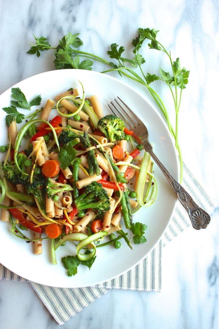 Gluten-free and vegan Penne Primavera using Banza chickpea pasta