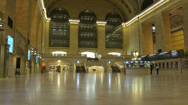 Hurricane Sandy Turns NY Subways Into Ghost Town