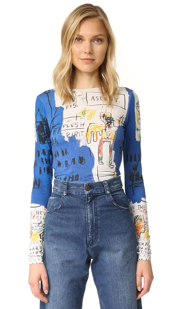 ¡Cómpralo ya!. Alice + Olivia Ao X Basquiat Long Sleeve Crop Top - Ascent Print. A part of a new capsule collection, this crew neck alice + olivia crop top is inspired by the work of '80s neo expressionist Jean Michel Basquiat. Fitted long sleeves. Fabric: Slinky jersey. 97% viscose/3% elastane. Dry clean. Imported, China. Measurements Length: 18in / 46cm, from shoulder Measurements from size S. Available sizes: XS , topcorto, croptops, croptop, croptops, croptop, topcrop, topscrops…