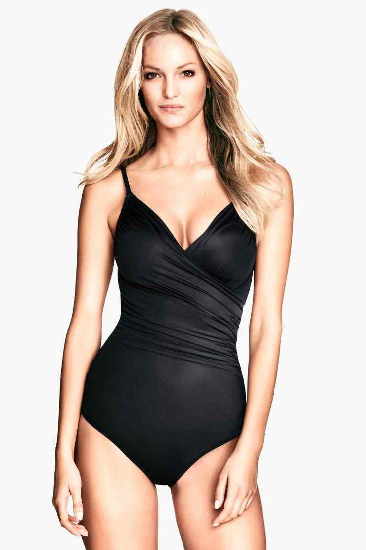 les 145 meilleures images du tableau mode maillots de bain tenue plage sur pinterest. Black Bedroom Furniture Sets. Home Design Ideas