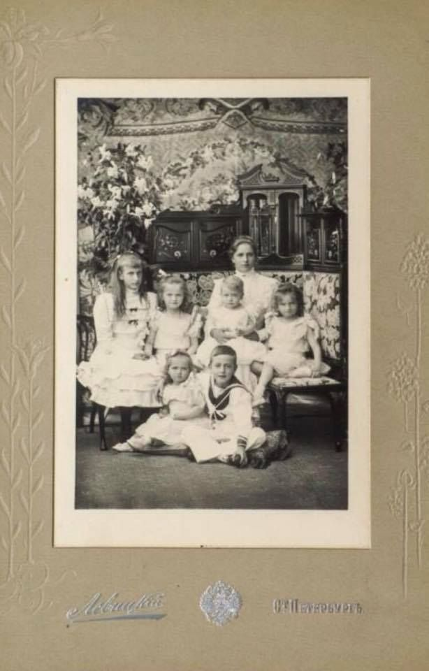 Olga, Maria and Tatiana with their Battenberg cousins, Alice, Louise, George and Louis, 1901
