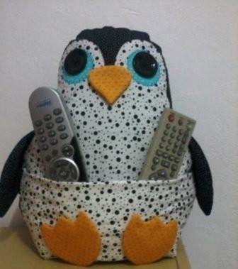 Almofada Pinguim Porta Controle Remoto