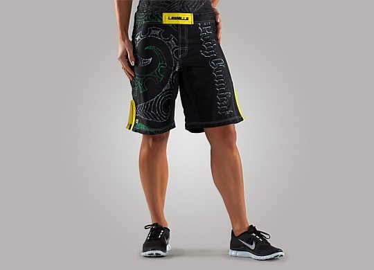 All women's bottoms - Women's BODYCOMBAT™ Tribal Short - Les Mills