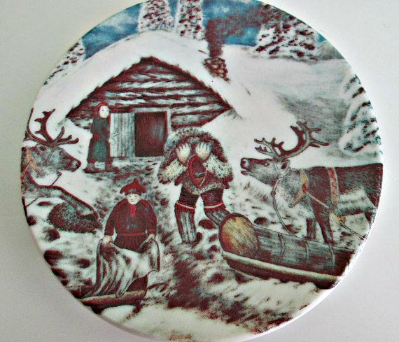 A.Alariesto 1981 Arabia Finland Plate Nr. 11 Reindeer Sleigh Winter Scene, Porcelain Plate, Collectible Plate, Wall Decor, Home Decor There is