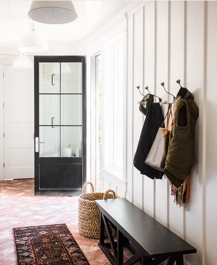 117 best mud rooms images on pinterest entry hall house entrance and new homes - Mudroom Tfelungen Bilder