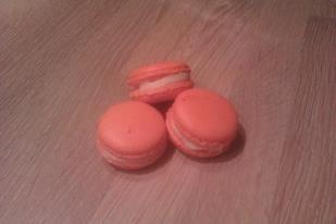 Macarons with fleur d'oranger buttercream