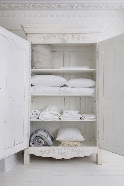{take me away № 32 | the beach cottages of summer}: Cabinets, Linens Cupboards, Decor Ideas, Linens Storage, Shabby Chic, Cabinets, House, Interiors Design Blog, Linens Closet